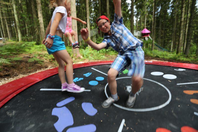 Trampolinemisent au point par Yauque Company pour le parc de loisirs à thèmes ElfyPark